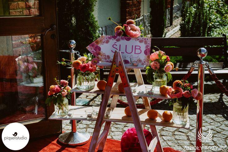 25. Fuchsia Orange Wedding,Entrance,Wedding sign / Wesele fuksjowo-pomarańczowe,Dekoracje weselne,Anioły Przyjęć