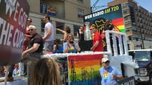 Stanley Cup Shows Up at Pride Parade - http://www.nbcchicago.com/news/local/Stanley-Cup-Shows-Up-at-Pride-Parade-310497931.html