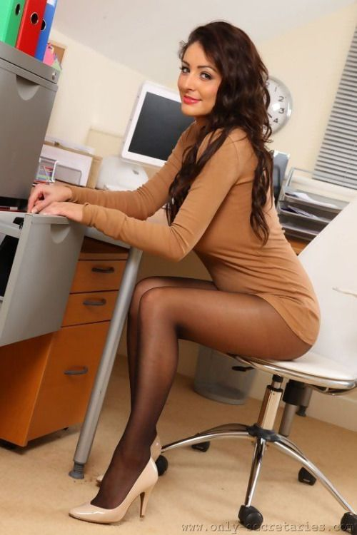Secretary pantyhose showing