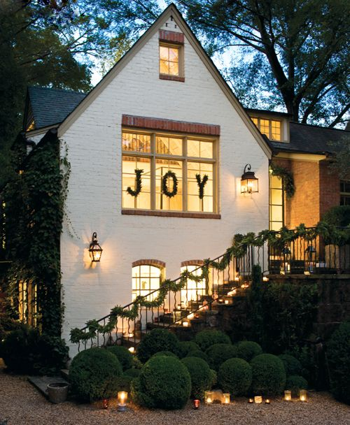 Gorgeous exterior Christmas decor #joy #holiday #camillestyles