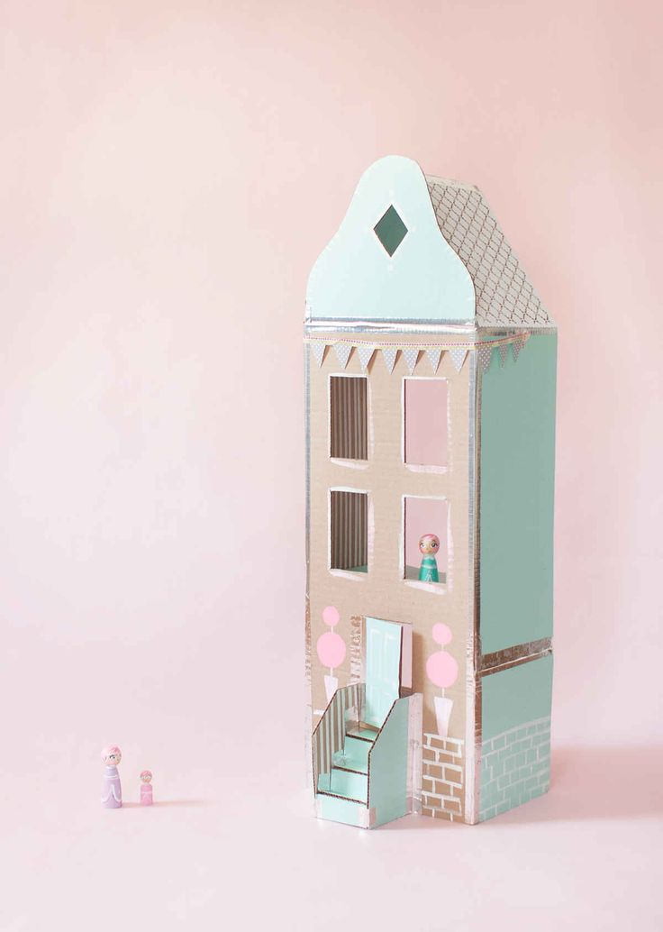 Cardboard Dollhouse made by Laybsbylay from Merrilee Liddiards book Playful