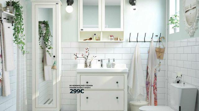 Meubles de salle de bains Hemnes, vu p14-15, catalogue Ikea salle de bains, Ikea.