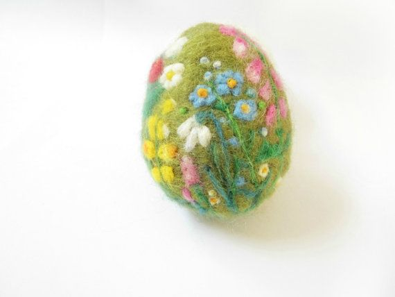 Easter EggNeedle felted eggSpring Ornamentneedle von Crafts2Cherish