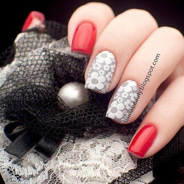 Daisies on nails, Daisy nails, Drawings on nails, Floral nails, flower nail art, Flowers on nails, Nails with daisies, Nails with pattern