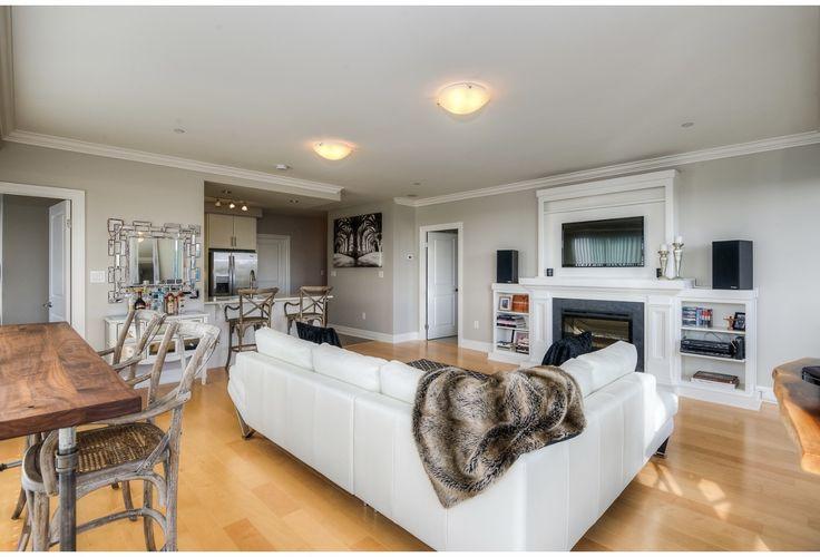 Open concept living space. Luxury condo.