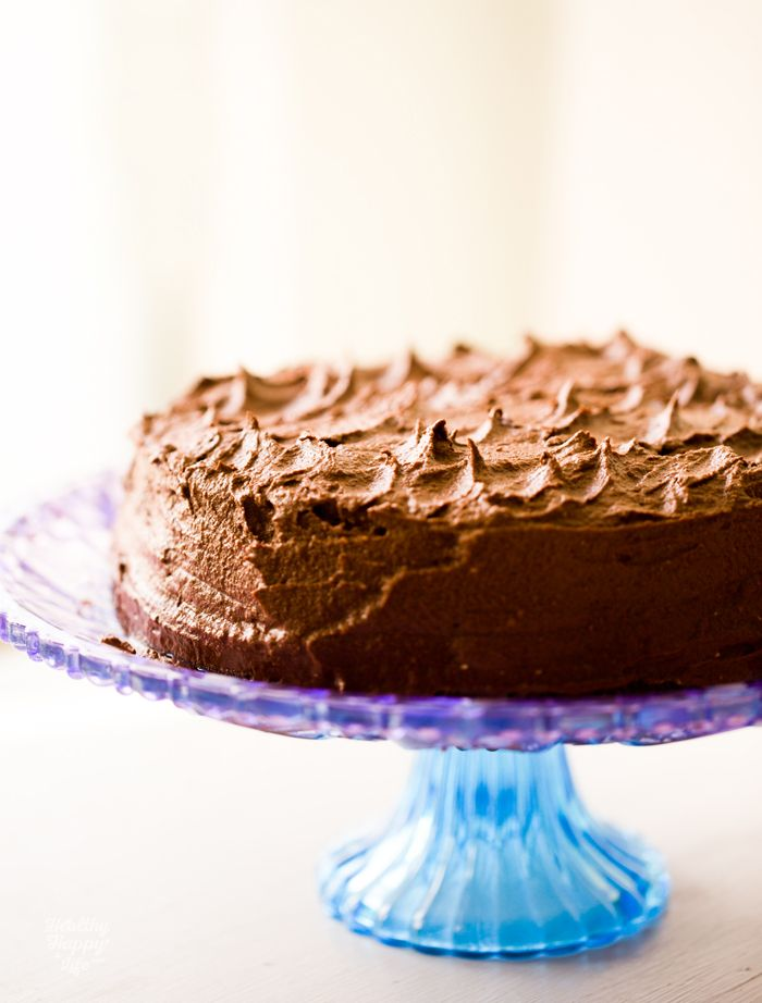 Vegan Chocolate Layer Cake http://kblog.lunchboxbunch.com/2015/05/chocolate-layer-cake.html