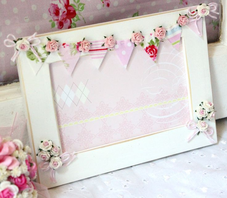 bunting photo frame... THIS is adorable!!!!