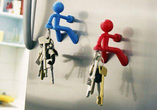 Sujeta llaves hombre con imán. Quien no ha perdido las llaves alguna vez? Con este novedoso compañero las tendrás siempre a mano