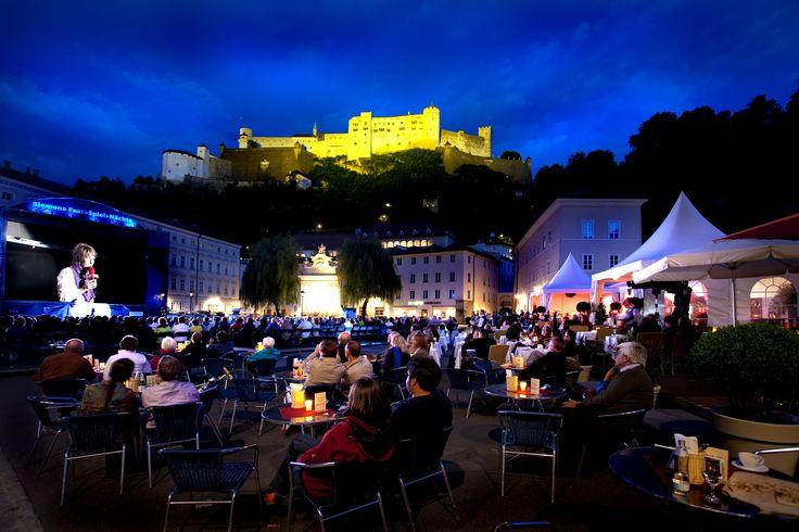 Kunstgenuss bei den Siemens Fest>Spiel>Nächten und kulinarische Genüsse im Restaurantzelt IMLAUER am Kapitelplatz in Salzburg mit Opern, Konzerten,...
