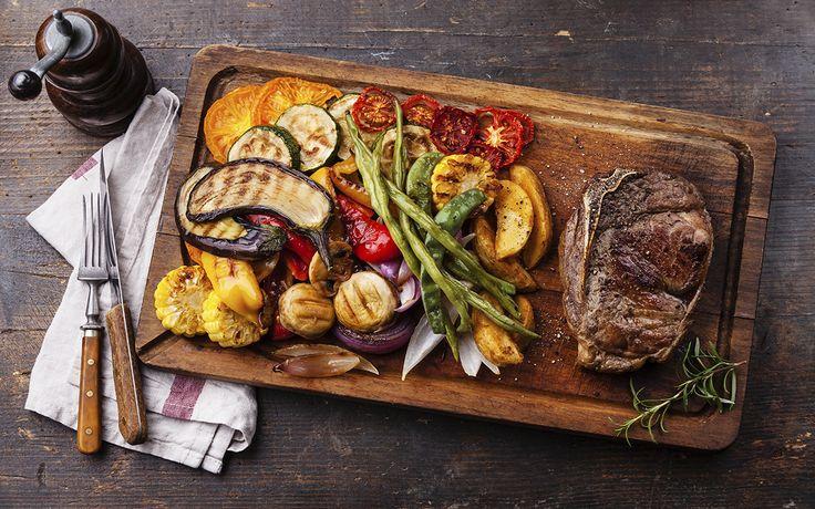 Chuleta de ternera con verduras al grill | Demos la vuelta al día