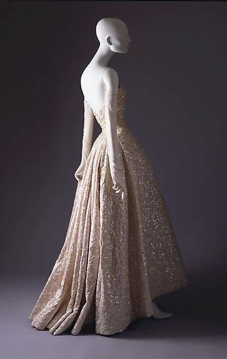 Beaded Creme Gown by House of Dior Fall/Winter 1953-1954 (Metropolitan Museum of Art).