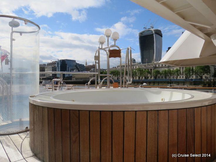 Seadram 1 - Pool area - at London Tower Bridge