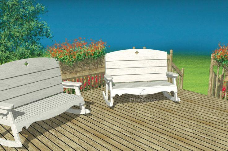 Profitez des douceurs de l'été sur ces confortables chaises berçantes à deux places en bois.