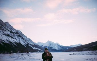 Jasper inspired engagement session.  Photography: Janelle Dudzic Photography