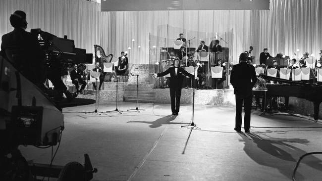 """Tommy Körberg med vinnarlåten """"Judy min vän"""" i Melodifestivalen 1969."""