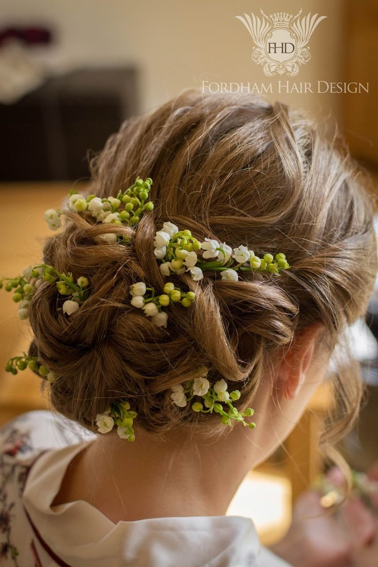Wedding hair accessories gloucestershire - Bridal Hair With Flowers Kingscote Barn Wedding Hair