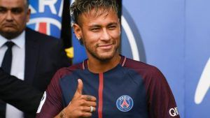 Neymar Scores Penalty After Cavani Spat