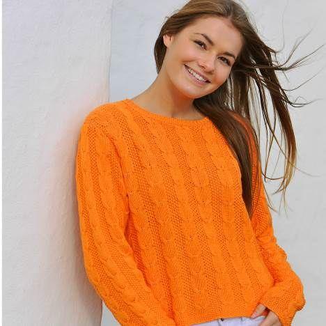 En orange drøm med lodrette snoninger og baner i perlestrik. For den let øvede strikker.