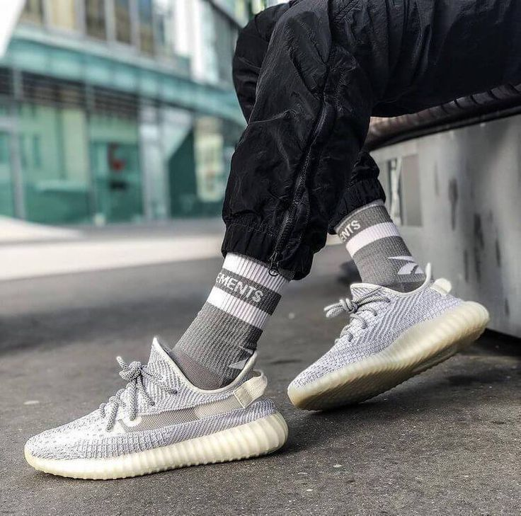 Yeezy Boost 350 Outfit Women Black Yeezy Boost 350 Outfit In 2020 Adidas Yeezy Boost Running Shoes Running Shoes Sneakers