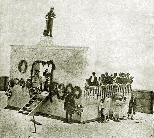 Un triste monumento: historia del mausoleo-memorial de los obreros masacrados de 1907