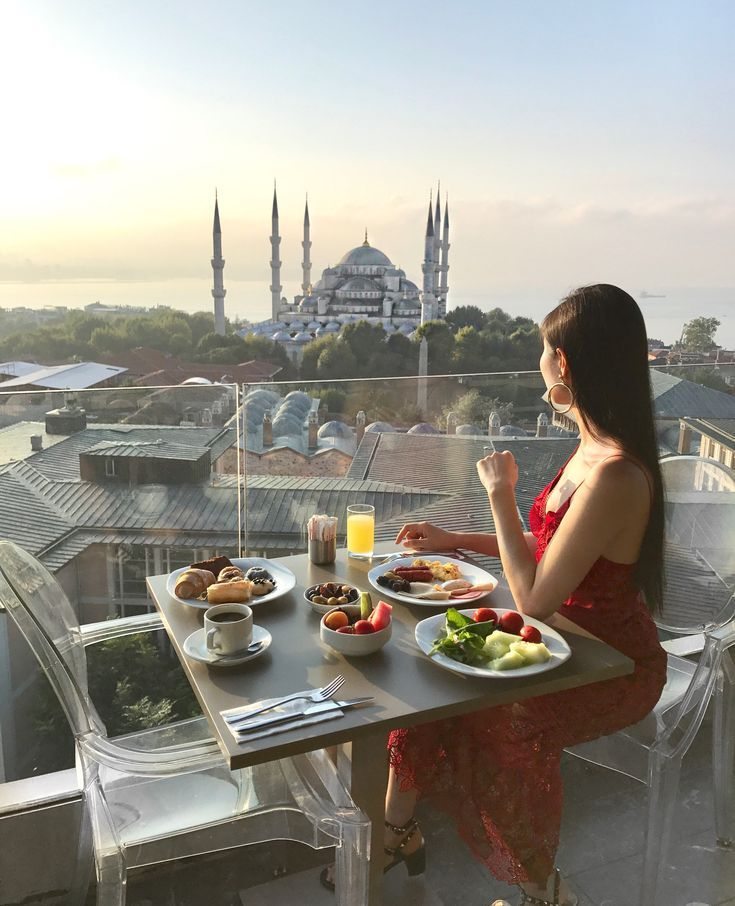 After my first visit to Istanbul in August, I am in town