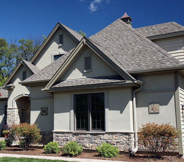 Best 25+ Stone veneer exterior ideas on Pinterest   DIY exterior ...