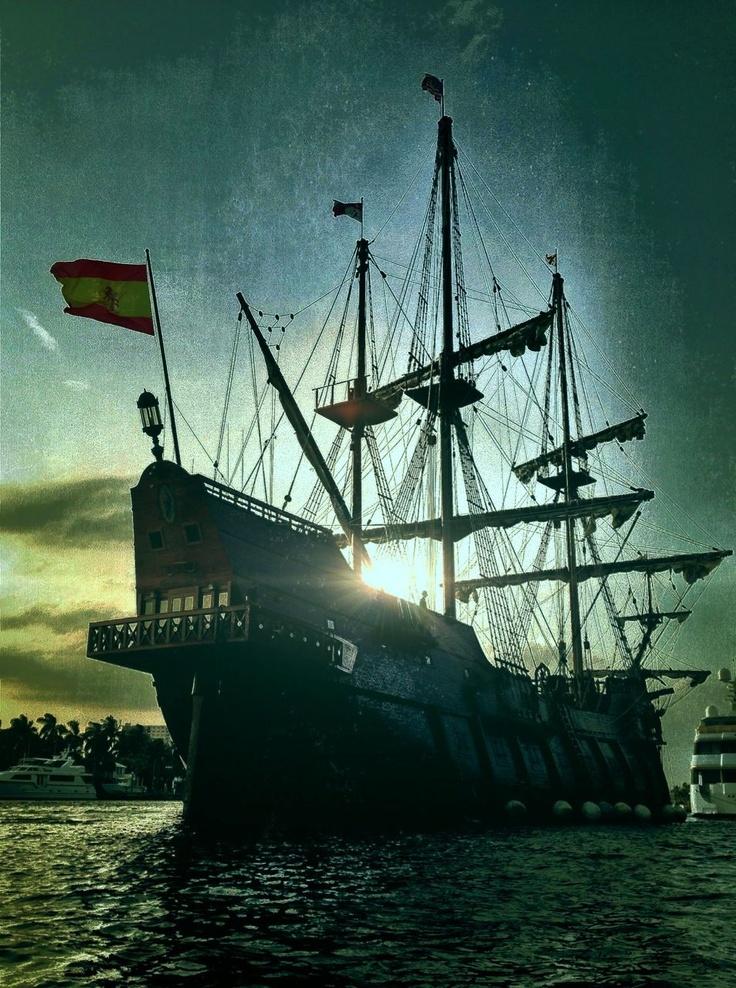 El Galeon visits Fort Lauderdale, Florida - the Venice of America.