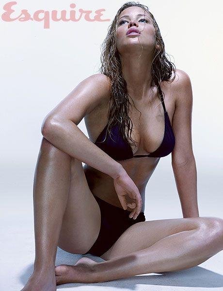 Jennifer Lawrence nos quita el hipo y todo lo que haga falta en la revista Esquire. Menudo juego del hambre...