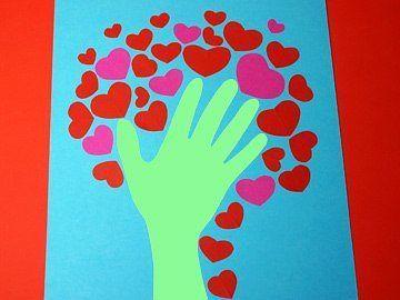 ПОДЕЛКИ К 14 ФЕВРАЛЯ.<br><br>Интересная идея аппликации из цветной бумаги ко Дню святого Валентина