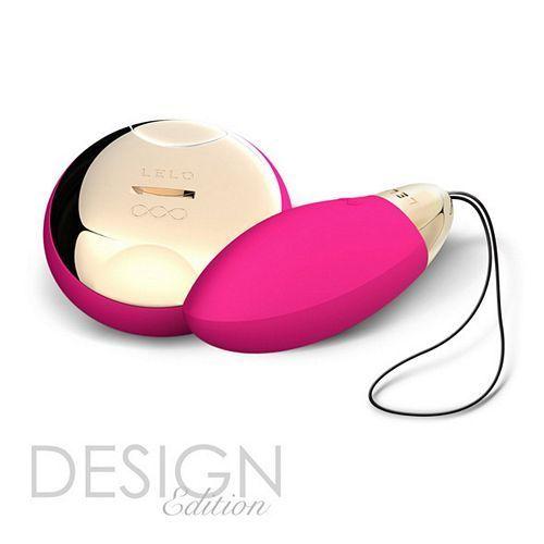 Lelo Lyla 2 - design edition - cerise fra Lelo - Sexlegetøj leveret for blot 29 kr. - 4ushop.dk - Dette er Lelo Lyla 2 Design Edition - ny opgraderet version af det populære æg. Lyla 2 har 3 gange større trådløs rækkevidde og vibrationerne itensitet er øget 50%. Mærk vibrationerne i fjernbetjeningen og styr disse ved hjælp af bevægelser. Lelo og deres produkter er i kategorien høj kvalitets produkter indenfor massageapparater. Med Lelo banebrydende SenseMotion teknologi og en trådløs ...