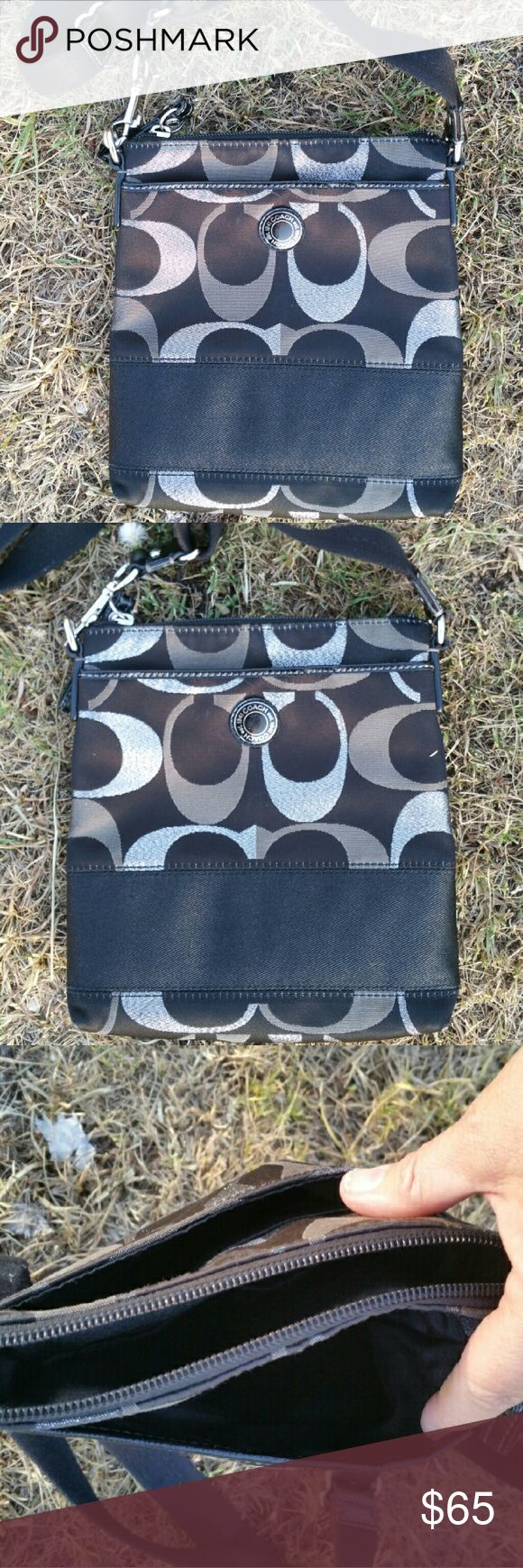 Black and silver coach swingpack signature stripe Black and silver coach swingpack signature stripe Coach Bags Crossbody Bags