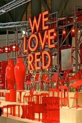 Utiliza el color rojo para activar tu nombre, tu reputación y tu fama. Es ideal para espacios que se encuentren en el sector SUR de tu casa u oficinas. Feng Shui