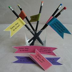 Kleines Geschenk zum Schulstart  Ich habe beschlossen, dass meine Klasse zum Schultsart dieses Mal auch Stifte mit einem dekorativen Fähnch...