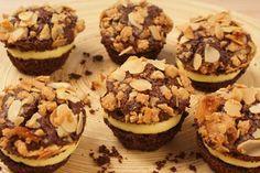 Schnelle Schokomuffins mit Mandeln und Pudding-Creme