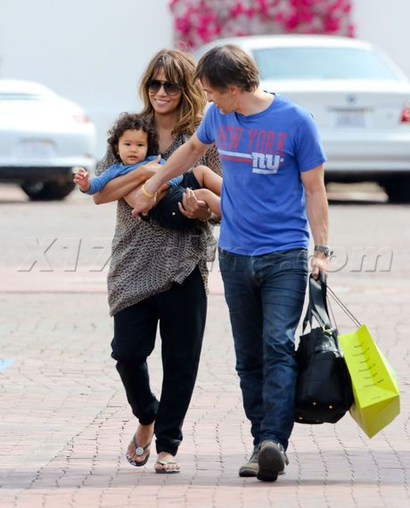 Halle Berry And Olivier Martinez Bond With Son Maceo ... | 460 x 570 jpeg 45kB