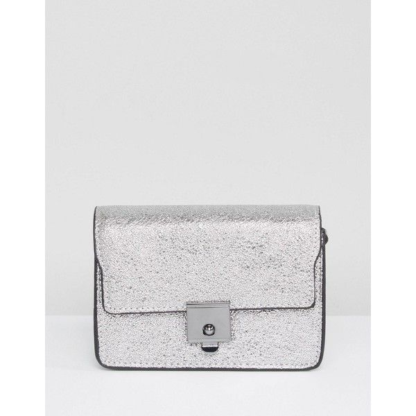 Mango Metallic Box Bag ($26) ❤ liked on Polyvore featuring bags, handbags, shoulder bags, black, clasp purse, clasp handbag, metallic purse, metallic handbags and mango handbags