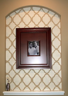 Entryway niche in master bedroom with stencil! @Mary Pendergast