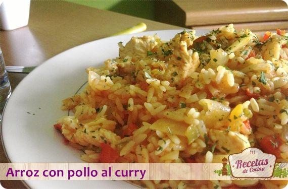 Arroz con pollo al curry, un toque exótico para los domingos