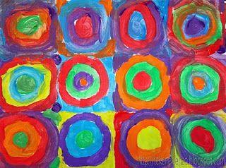 De kinderen gaan zelf een schilderij maken in de stijl van Kandinsky terwijl ze luisteren naar klassieke muziek. Tijdens deze les heb ik de vier jaargetijden van Vivaldi laten horen. Elk kind krijgt een A3 vel met daarop 12 vakken van 10 bij 10 cm. Vertel dat er van buiten naar binnen gewerkt moet worden en dat we geen wit meer mogen zien. Probeer te voorkomen dat er twee dezelfde kleuren in een cirkel voorkomen. Hang alle schilderen samen op een prikbord voor een prachtig groepswerk!