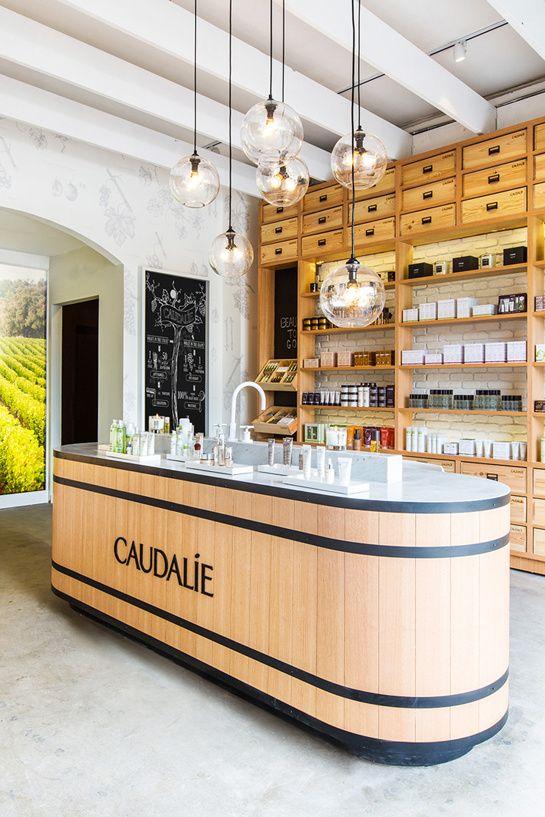 Caudalie s'installe à Los Angeles http://www.vogue.fr/beaute/l-adresse-de-la-semaine/diaporama/caudalie-s-installe-a-los-angeles/18305/image/993131#!3