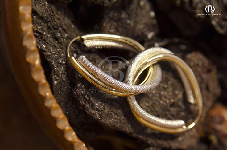 Arracadas de oro amarillo y oro blanco de 10k y 14k. --------------------------  Yellow and white gold earrings of 10k and 14k .