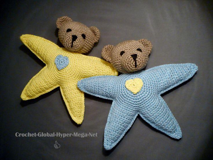 Kijk wat ik gevonden heb op Freubelweb.nl: een gratis haakpatroon van Crochet Global Hyper Mega Net om deze bereleuke sterren te maken https://www.freubelweb.nl/freubel-zelf/gratis-haakpatroon-beren-sterren/
