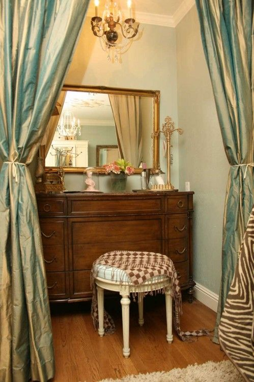 1000 Images About Turn A Closet Into A Makeup Vanity On