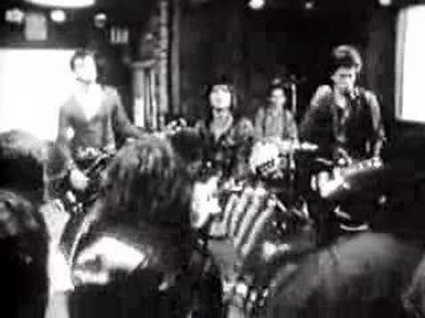 Joan Jett & the Blackhearts - I Love Rock N Roll, 1981