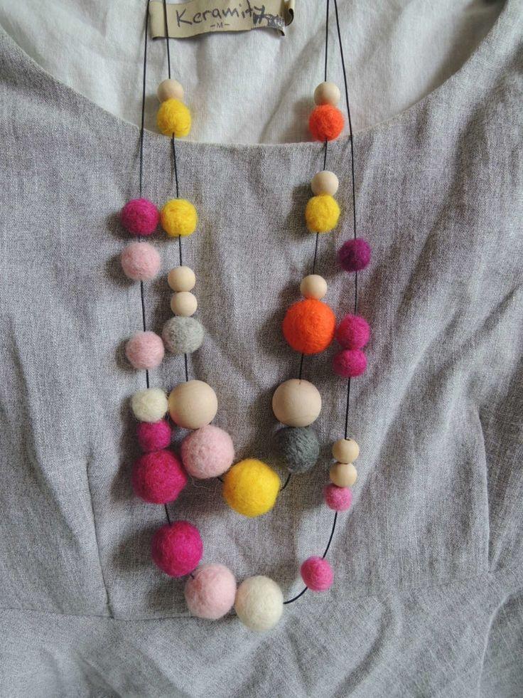 Войлок ожерелье мяч бисером ассорти дизайн чувствовал мяч деревянный вышитый бисером ожерелье бесплатный дизайн NW1717