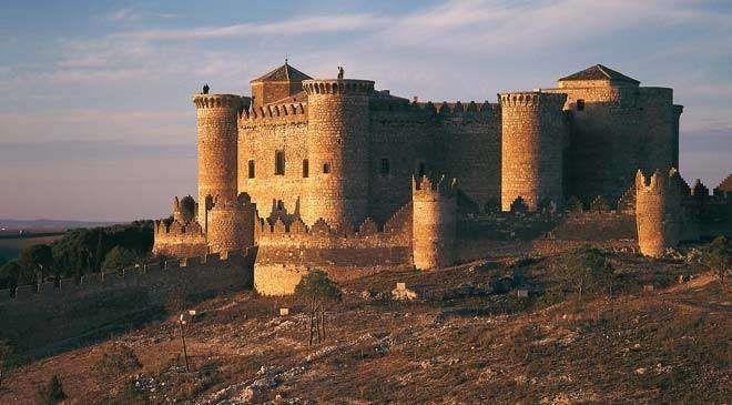 Belmonte y su Imponente castillo medieval. Cuenca. Castilla La Mancha
