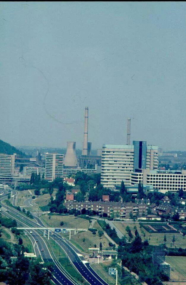 Blik van boven de stadsautoweg richting ON1