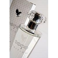 25th Edition Fragrance for Women is een heerlijke frisse parfum, speciaal ontworpen voor de moderne vrouw. De geur is een fris bloemenboeket van magnolia, jasmijn en witte lelie. De warme, muskusachtige houtsoorten zijn toegevoegd om een zachte, sensuele geur te creëren.