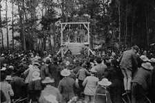 Double hanging in Bellville...the crowd after the hanging, 1896