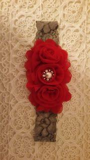 Headbandslatina              : Banda gris con flores rojas
